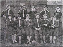 Premier match de football féminin en France